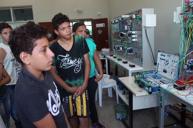Feira de Ciência e Tecnologia (Fecitel) no Campus Três Lagoas