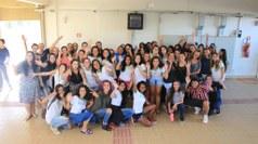 Estudantes reunidas após uma intervenção sobre As Mulheres