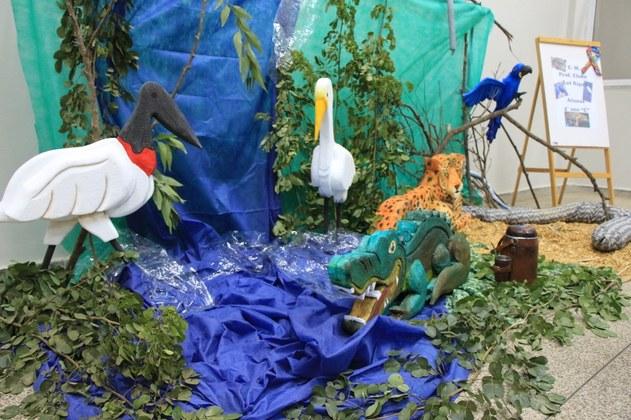 Cenário do Pantanal elaborado pelas estudantes da Escola Municipal Professor Elson Lot Rigo