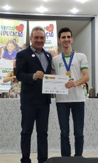 Estudante João Antonio Lorençone foi premiado com duas medalhas na competição