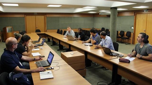Reitor do IFMS, Luiz Simão Staszczak, falou aos chefes de delegação e professores de educação física durante Congresso Técnico. Foto: Osvaldo Sato