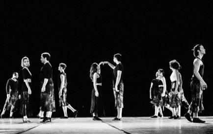 Estreia do grupo no teatro Glauce Rocha - Foto: Divulgação Estúdio 2por2