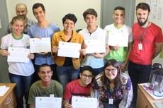 Estudantes receberam do IFMS menção honrosa pela aprovação no concurso - Foto: Campus Corumbá